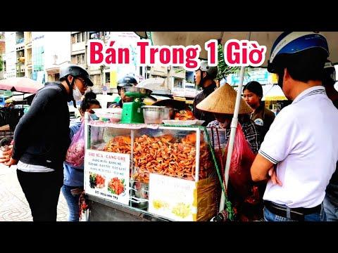'Xếp hàng' mua Càng ghẹ rang muối, cua giá rẻ bán 22 năm trên vỉa hè Sài Gòn - Thời lượng: 26:19.