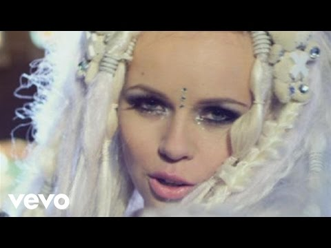 Tekst piosenki Kerli - Army of love po polsku