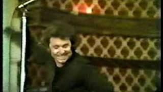 RAPHAEL Estar enamorado, El Patio 1981, estreno- www.raphaelfans.com