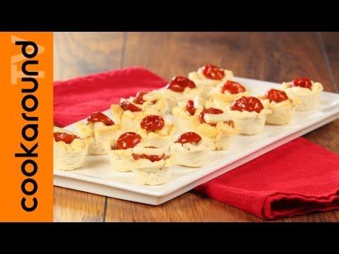 cestini di pane con pomodori e formaggio - ricetta