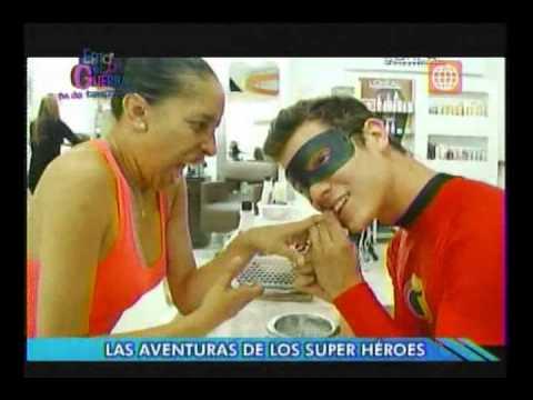 Esto es Guerra: Gino (Mr. Increíble) y Antonio (Linterna Verde) - 30/11/2012