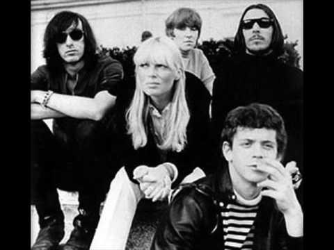 Tekst piosenki The Velvet Underground - Pale blue eyes po polsku