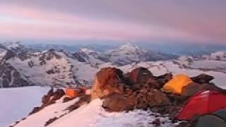 Универсальная трехместная туристическая палатка с большим тамбуром и ветрозащитной юбкой. Alexika Tower 3 Plus Fib