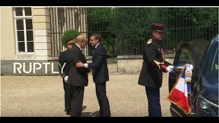 MIX BETWEEN LIVE SIGNAL AND TAPE FEEDFrench President Emmanuel Macron receives President of the UN-recognised Libyan Council, Fayez Al-Sarraj and commander Khalifa Haftar of the Libyan National Army, in the Chateau de la Celle Saint-Cloud on Tuesday July 25.The meeting is seen as a tentative step towards reconciliation in Libya and will be the first encounter between the Libyan factions since talks hosted by the United Arab Emirates in Abu Dhabi in May.SCHEDULE:13:00 GMT : President of the Libyan Council Fayez Al-Sarraj arrival in La Celle-Saint-Cloud (live).13:05 GMT : Meeting between French President Emmanuel Macron and President of the Libyan Council Fayez Al-Sarraj (tape feed protocol).13:45 GMT: Head of the Libyan National Army Khalifa Haftar arrival in La Celle-Saint-Cloud (tape feed).13:50 GMT: Meeting between French President Emmanuel Macron and head of the Libyan National Army Khalifa Haftar (tape feed protocol).14:00 GMT: Meeting between President of the Libyan Council Fayez Al-Sarraj, head of the Libyan National Army Khalifa Haftarm, Head of the United Nations Support Mission in Libya and French President Emmanuel Macron (live protocol).Video on Demand: http://www.ruptly.tvContact: cd@ruptly.tvTwitter: http://twitter.com/RuptlyFacebook: http://www.facebook.com/Ruptly