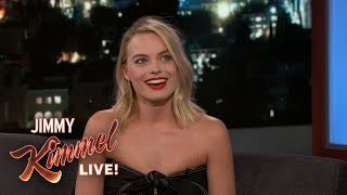 Video Guest Host Chris Pratt Interviews Margot Robbie MP3, 3GP, MP4, WEBM, AVI, FLV Agustus 2019