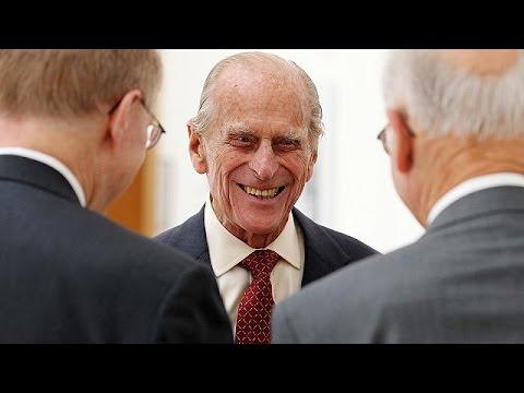 Αποσύρεται από τη δημόσια ζωή ο πρίγκιπας Φίλιππος