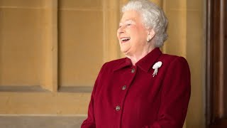 Video Queen Elizabeth II funny moments MP3, 3GP, MP4, WEBM, AVI, FLV Juli 2018