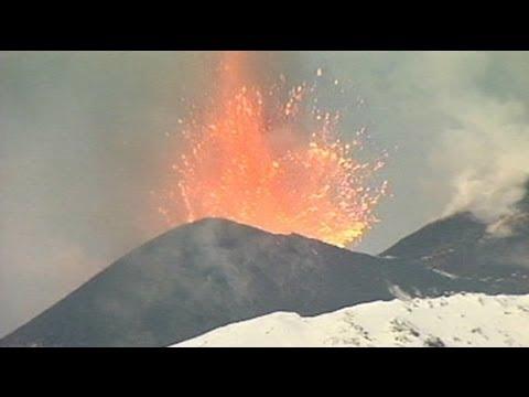 النار والجليد على جبل إتنا – لا تعليق
