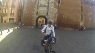 """Cruzar la puerta de Perpignan """"el Castillet"""""""