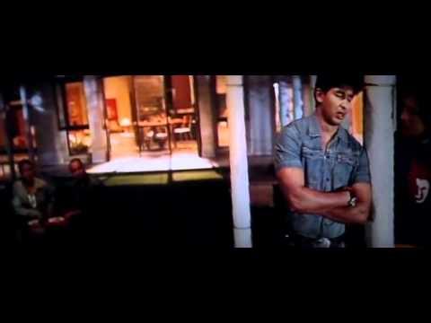 Ishq Ki Gali Actual Video in HD Shahid & Kareena Kapoor   Milenge Milenge