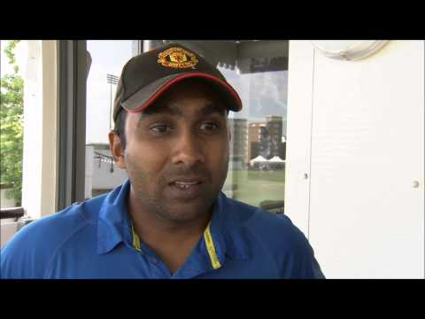 Kumar Sangakkara gets batting tips from his father