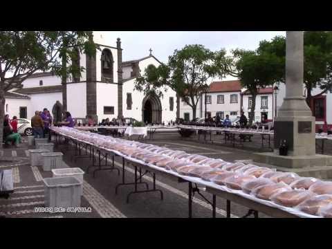 Sábado do Bodo Distribuição das Esmolas em louvor ao Divino Espírito Santo 2015
