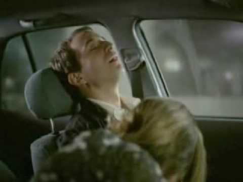 一位美女在車上慾火焚身,然後就開始脫下男生的…