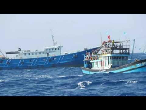 4 tàu Trung Quốc đâm chìm tàu cá Việt Nam