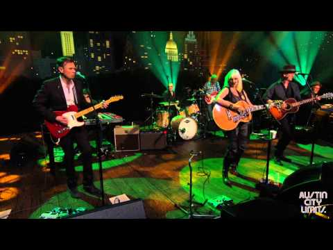 """Austin City Limits Web Exclusive: Emmylou Harris & Rodney  Crowell """"Ain't Living Long Like This"""""""
