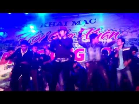 Akira Phan hát remix Gió Buốt Tim tại Triễn Lãm Bắc Giang 12/1/2014