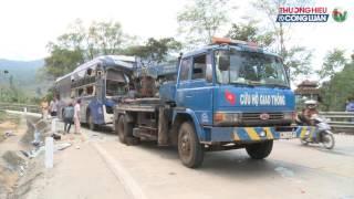 Theo thông tin mới nhất chúng tôi vừa nhận được, vào khoảng 1 giờ 30 ngày 23.2, xe khách giường nằm biển kiểm soát  81B-007.05 của nhà xe Sao Đỏ (Gia Lai) do tài xế Nguyễn Thành Đô