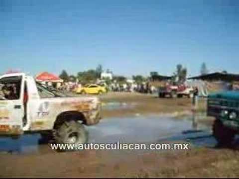 ARRANCONES 4X4 EN LODO FUEGO