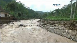 Video Puluhan Rumah di Probolinggo Rusak Diterjang Banjir MP3, 3GP, MP4, WEBM, AVI, FLV Desember 2018