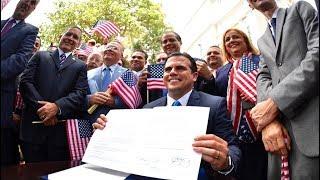 """JUNIO 5 2017 ►¡HACIA LA IGUALDAD! Cumpliendo con un compromiso programático con el Pueblo. #EnEquipo trabajamos por la descolonización de Puerto Rico y encaminar el futuro. El Plan Igualdad es parte de los esfuerzos dirigidos a exigir lo que nos corresponde como ciudadanos. Es política pública del #NuevoGobierno► LuisAnthony40HD YOUTUBE: ►http://www.youtube.com/user/LuisAnthony40HD?sub_confirmation=1 ► LuisAnthony40 YOUTUBE: ► http://www.youtube.com/user/LuisAnthony40?sub_confirmation=1 ► Mi Twitter: https://twitter.com/LuisAnthony40 ► Mi Facebook: https://www.facebook.com/LuisAnthony40 ► Mi Facebook FANPAGE:https://www.facebook.com/LuisAnthony40HD ► NOTIRealidadPR de Luis Anthony:http://paper.li/LuisAnthony40/1362368312 ► TIENDA - Camisas y Misceláneas► LINK ►http://luisanthony40hd.spreadshirt.com/ --------------------------------------------►FUENTES:► LUIS ANTHONY/@LuisAnthony40 Twitter/LuisAnthony40HD Youtube/WIPR/GOBERNADOR RICARDO ROSSELLO ARCHIVO.► PUBLICADO: JUNIO 5 2017--------------------------------------------► MUSIC:""""Runaways"""" by  Silent Partner, """"Voice Over Under"""" by Kevin MacLeod (http://incompetech.com/)  - YouTube Audio Library►► LICENSED UNDER CREATIVE COMMONS: BY ATTRIBUTION 3.0http://creativecommons.org/licenses/by/3.0/► LIBERTAD DE EXPRESIÓN: https://es.wikipedia.org/wiki/Libertad_de_expresi%C3%B3n► LIBERTAD DE PRENSA: https://es.wikipedia.org/wiki/Libertad_de_prensa► FAIR USE: https://en.wikipedia.org/wiki/Fair_use"""