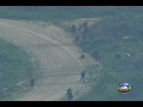 Atirador de elite acerta bandido em fuga RJ - 26/11/2010