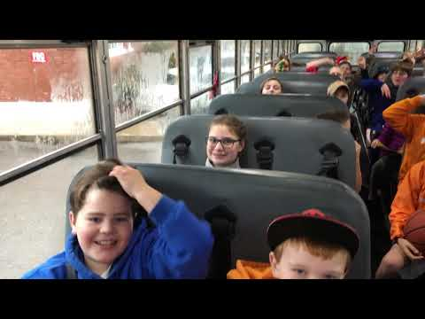 Video: Bus full of cheering students