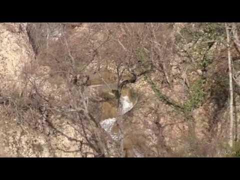 , title : 'Крым. Узунджинский каньон. Водопад у начала реки Узунджа. 10 марта 2018 года.'