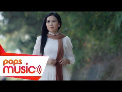 Con Đường Xưa Em Đi | Dương Kim Phượng (Official MV) - Thời lượng: 5 phút, 1 giây.