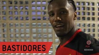 Se liga em tudo que rolou no vestiário do Mengão na vitória no clássico! --------------- Seja sócio-torcedor do Flamengo:...