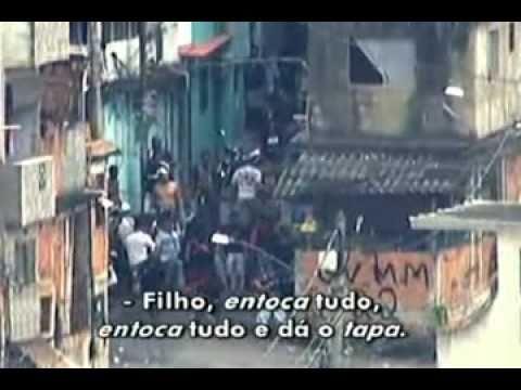 Bandidos em Fuga são alvejados e baleados pelo helicóptero da policia Vila Cruzeiro