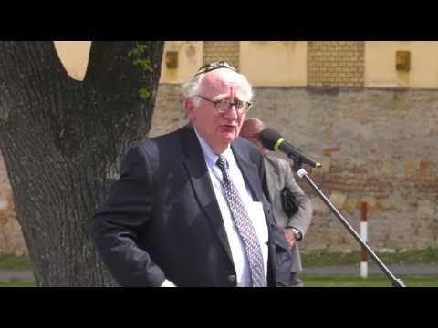 A holokauszt áldozataira emlékeztek Bonyhádon