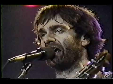 plume - Tiré de l'émission En scène(télé québec) et enregistré au défunt Spectrum de Montréal en 1985. Régalez vous ma gang de cibouère!!!!!!!!!!! Les commentaires s...