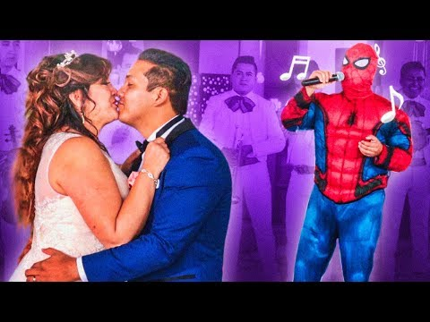 SPIDER-MAN LE CANTA A MI MAMÁ EN SU BODA