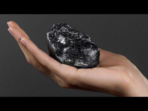 Zweitgrößter Rohdiamant der Welt in Paris vorgestellt