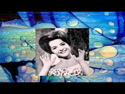 Tekst piosenki Brenda Lee - Little Girl Blue po polsku