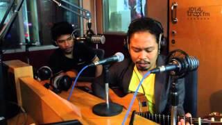 Download lagu Payung Teduh Menunggu Mp3