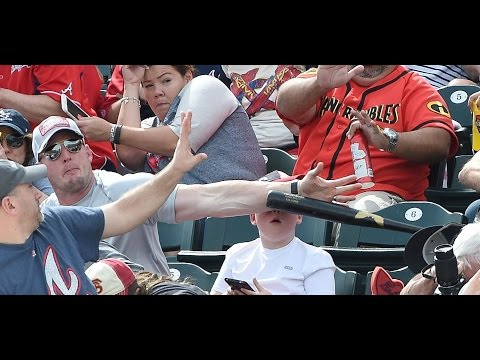 Dad With Quick Reflexes Saves Son s Head From Flying Baseball