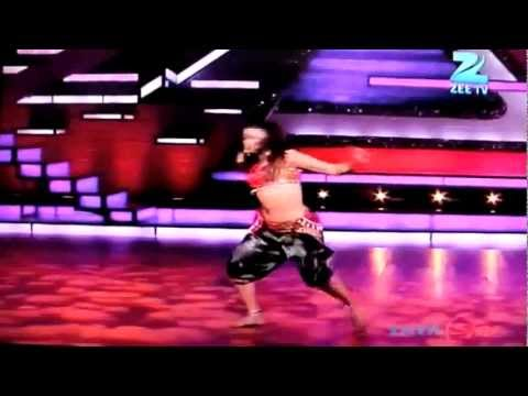 shnaha - Sneha Gupta from zenith dance company,troupe performing in Dance India Dance season 3, a tribute to madhuri dixit, please vote her by giving miss call on 180...