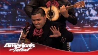Howard Stern Is Won Over by Mariachi Nuevo Estillo - America's Got Talent