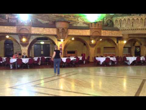 Thinking Country – Advanced Line Dance