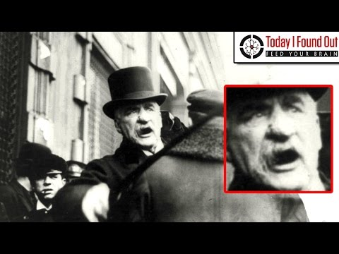 Video J.P. Morgan and His Giant, Knobbly, Purple Nose download in MP3, 3GP, MP4, WEBM, AVI, FLV January 2017