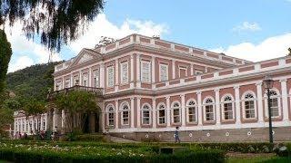 Em Petrópolis visitei o Palácio Imperial. No distrito de Glória de Cataguases, visitei uma casinha de palha...Vejam as diversas...