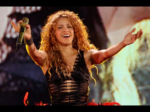 Un fanático Mexicano roba un anillo a Shakira en pleno concierto.