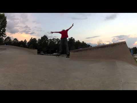 Sector 9 Iguana CLSX: Skatepark Tricks
