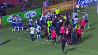 Confusão começou após o atacante Gustavo, do Tricolor, receber cartão vermelho após chegada em Kanu, zagueiro do Vitória. Esporte Interativo nas Redes ...