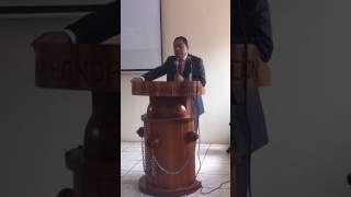 El Presidente del Colegio de Abogados de Honduras Abogado José María Díaz Ávila y el Secretario de E