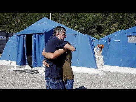 Ιταλία: Σβήνουν οι ελπίδες για τον εντοπισμό επιζώντων στα ερείπια