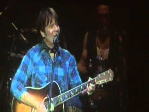 John Fogerty - Luna Park, Bs.As., Arg. - 13-05-2011 Parte 1 (видео)