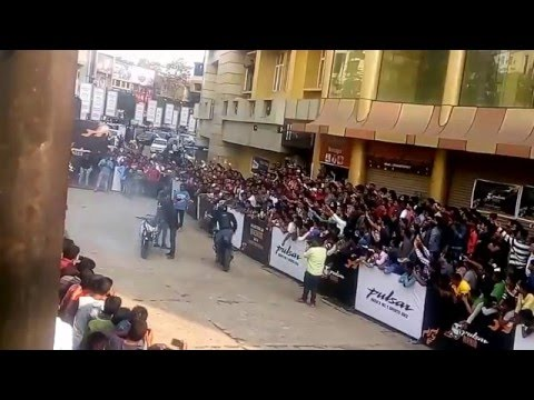 Video Bike Stunts in Bhubaneswar Pulsar Mania 2 download in MP3, 3GP, MP4, WEBM, AVI, FLV January 2017