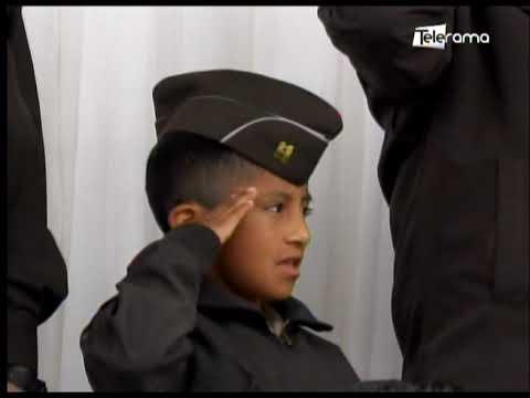 Niño es reconocido como comandante de policía por su labor heroica